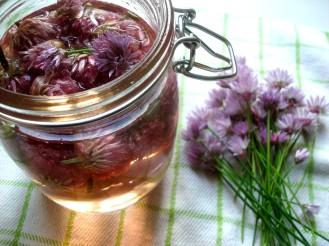 chive flowers in vinegar