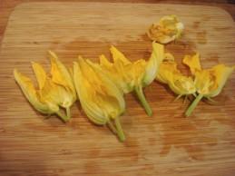 geschnittene Blüten - Butterflied flowers